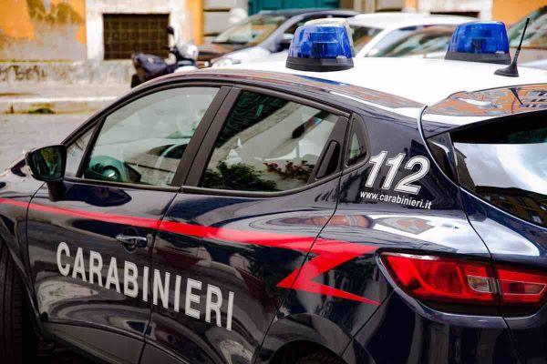 Carabinieri Napoli Posillipo blitz